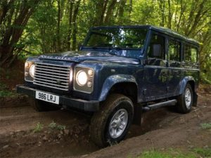 land-rover-defender-2011-02_670
